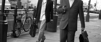 iphone_businessman_CristianoBetta_1