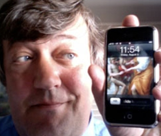 stephen-fry-and-iphone2