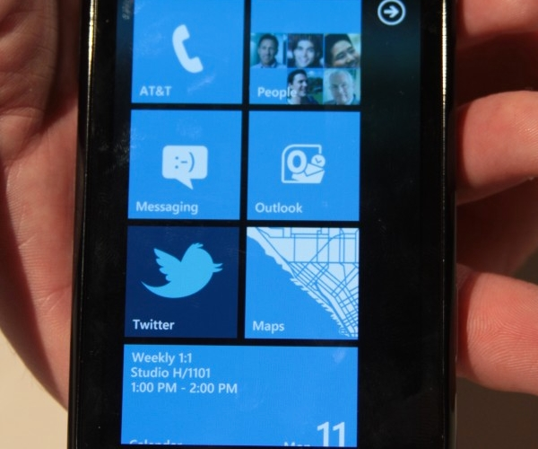 samsung-focus-windows-phone-7-wp7-hands-on-2-e1286817395108-660x990