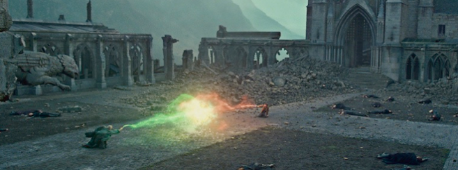 Potter-Hallows-2_Voldemort-Radcliffe-final-battle