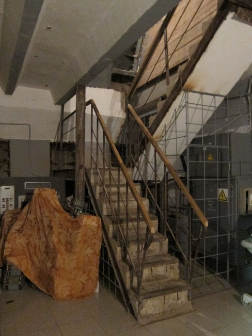 monsters hang out here 520x693 This declassified USSR bunker is straight out of your nightmares