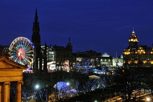 edinburgh newyearseve shutterstock 25213414 520x345 The Best Places in the World to be on New Years Eve