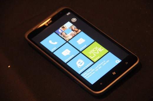 IMG 5670 520x346 We go hands on with the 16 megapixel HTC Titan II LTE [Video]