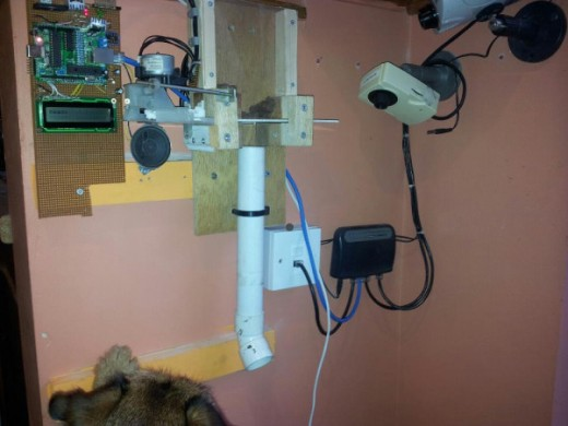 feedtoby dispenser 520x390 Welsh geek uses Arduino and Twitter to feed his dog Toby