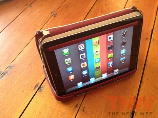 IMG 2588wtmk 520x390 Review: Lacambras stylish, elegant leather case positions your iPad any way you want it