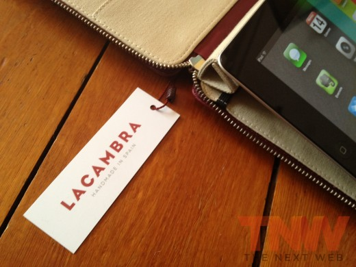 IMG 2593wtmk 520x390 Review: Lacambras stylish, elegant leather case positions your iPad any way you want it