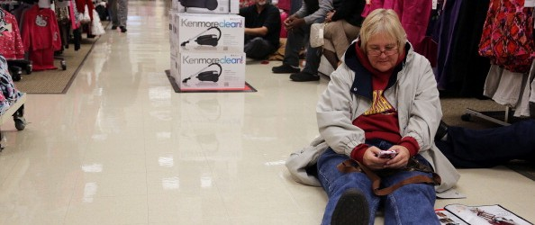 Major Retailers Begin Black Friday Sales Thanksgiving Night