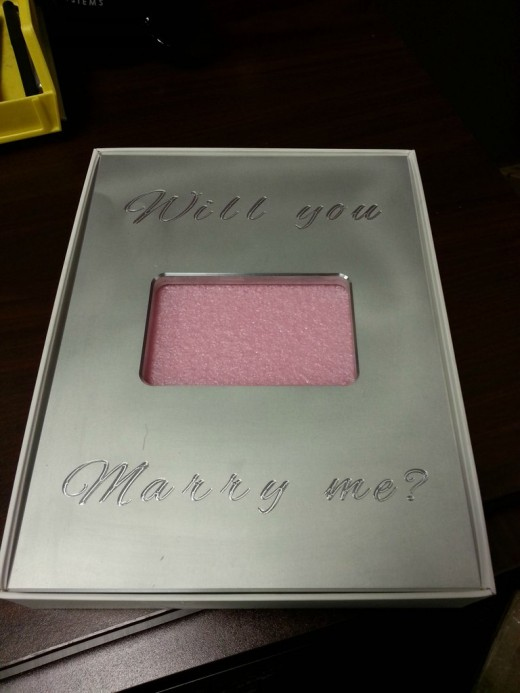 4XzGFh 520x693 iDo: Would you accept a proposal delivered in an iPad box?