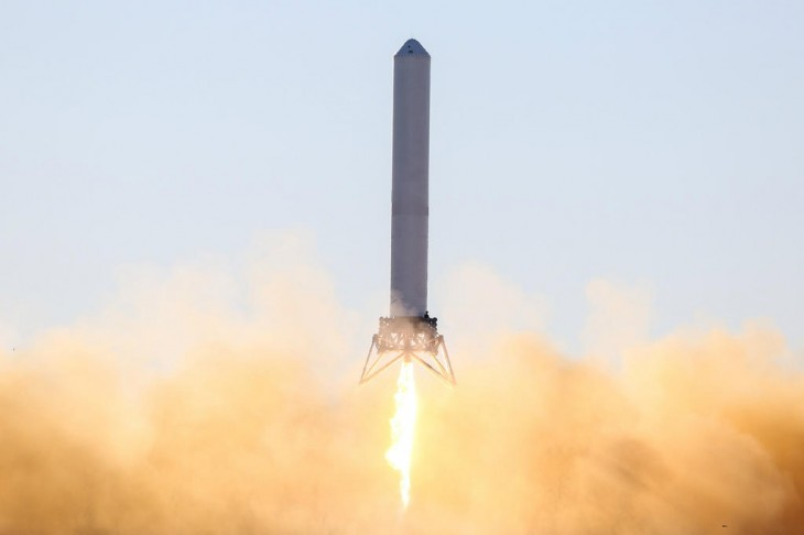 grasshopper 730x486 Watch Grasshopper, the reusable rocket from Elon Musks SpaceX, in action