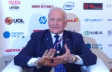 IMG 18511 220x142 Buzz Aldrin remembers the moons magnificent desolation as he calls for missions to Mars