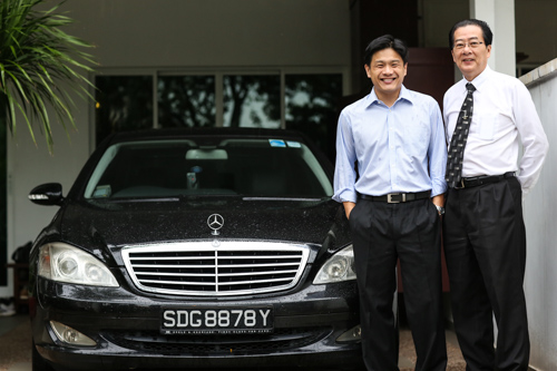 Riders0and1 3 Uber finally drives into Asia as the private car service begins testing in Singapore