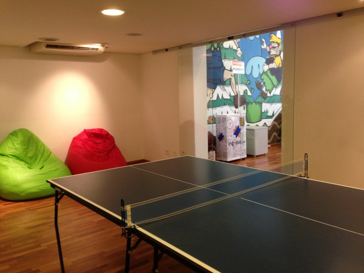 Startup Mansion ping pong 730x547 Coolest offices: Inside 9 awesome tech workplaces in São Paulo