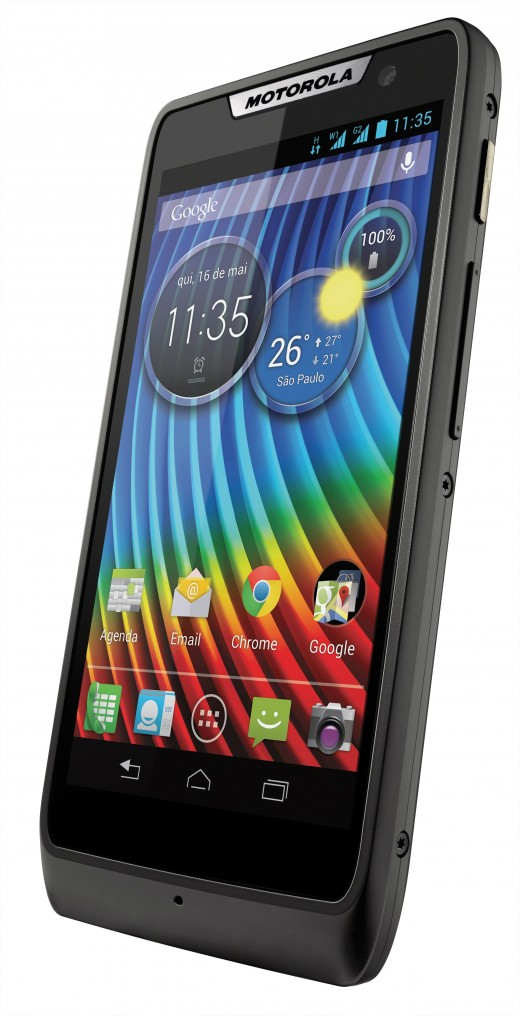 Hawk4.0 Black Dyn R vert Hero DS LATAM POR 520x1016 Motorola unveils the RAZR D1 and D3, two new Android smartphones hitting Brazil in the coming weeks