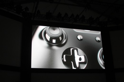 0013 520x346 Microsoft introduces new controller for Xbox One console with redesigned d pad