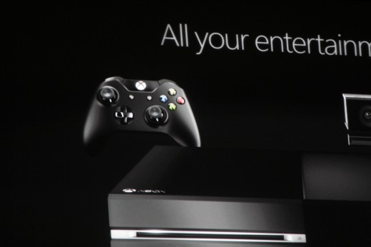 0018 520x346 Microsoft introduces new controller for Xbox One console with redesigned d pad