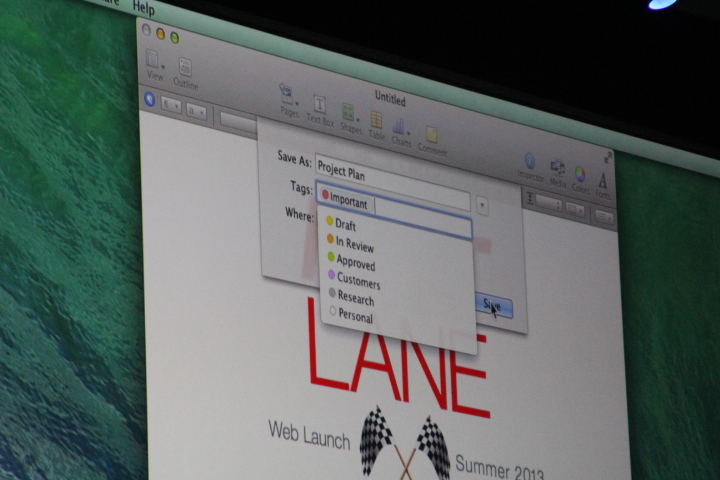 0033 Apple unveils OS X Mavericks, with Finder Tabs, multiple display menus, notifications, iBooks support