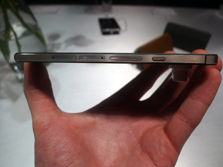 huaweiedit3 Hands on with the Huawei Ascend P6, the worlds thinnest smartphone