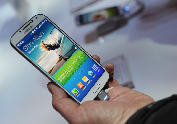 167296363 730x513 Samsungs struggles in China: Record sales dont mean record revenue