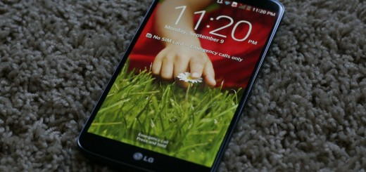 lg g2 13 520x245 LG G2 first impressions: Business in the front, buttons on the back