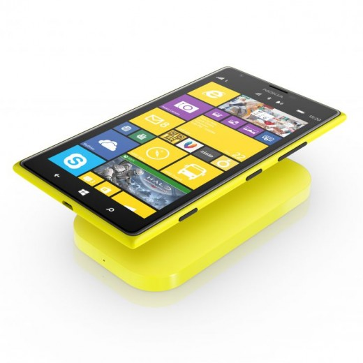 700 nokia lumia 1520 nokia dc 50 wireless charging 520x520 Nokias DC 50 is a portable wireless charging plate for Lumia devices coming in Q4 for $99