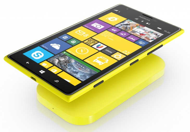 Lumia 1520 wireless charging 730x509 Nokia announces two 6 smartphones: the $739 Lumia 1520 for Q4 2013 and the $339 Lumia 1320 for Q1 2014