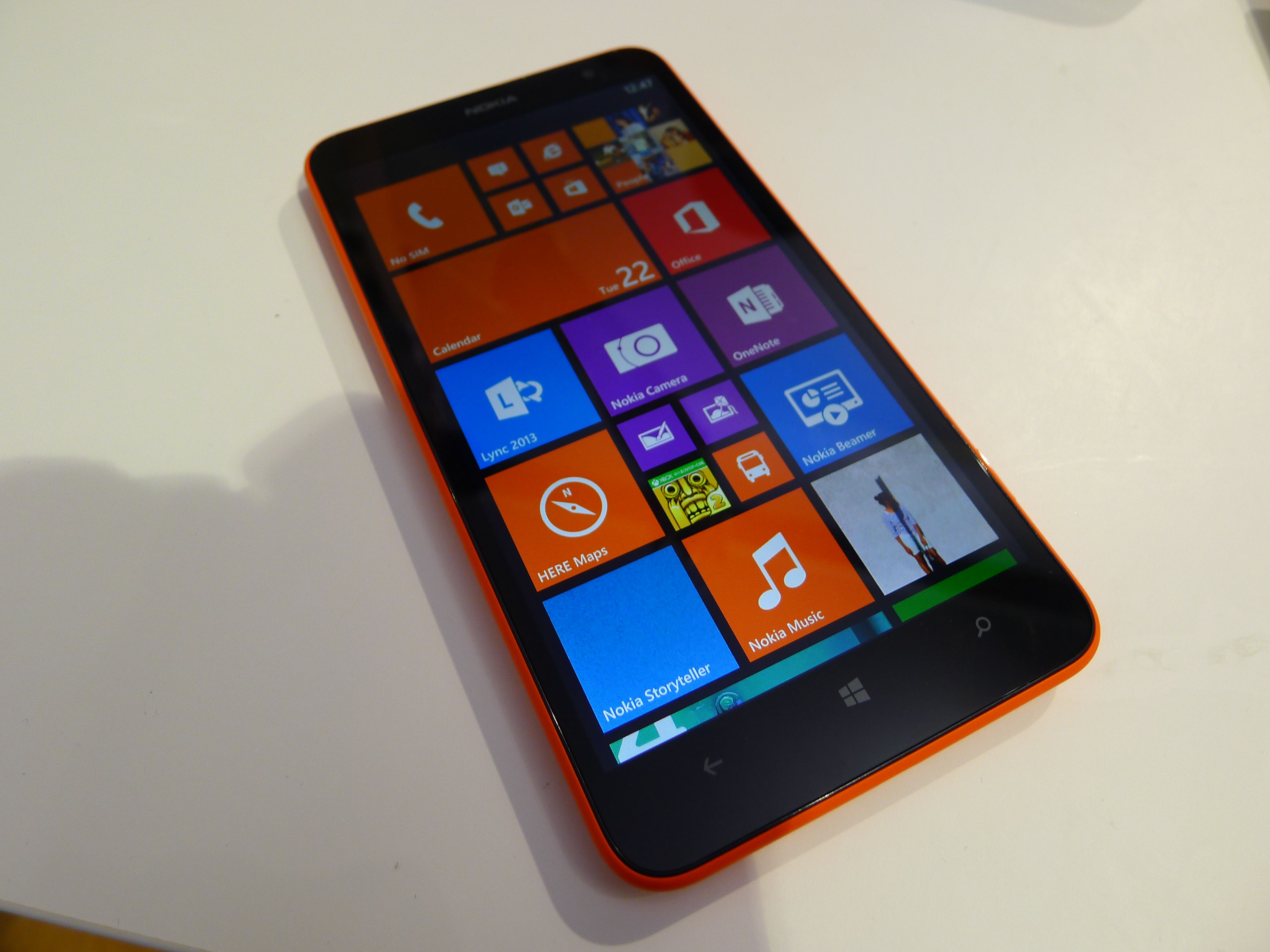 P1040484 Nokia Lumia 1320 hands on: How does this 6, 720p smartphone stack up against the Lumia 1520?