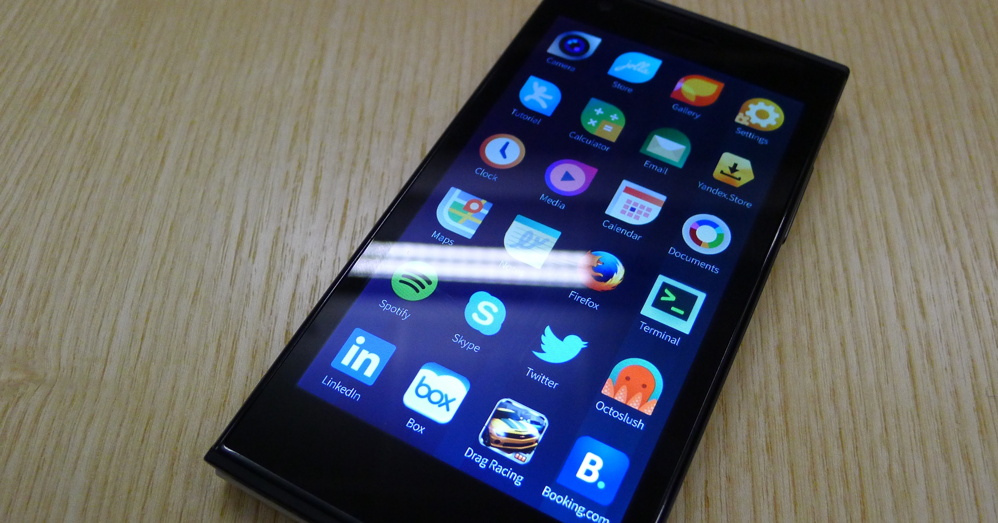 Jolla hands-on: A closer look at the first Sailfish OS-powered smartphone