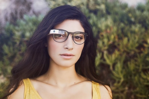 glass11 520x346 Google Glass can now be used with regular glasses after Google introduces $225 frames