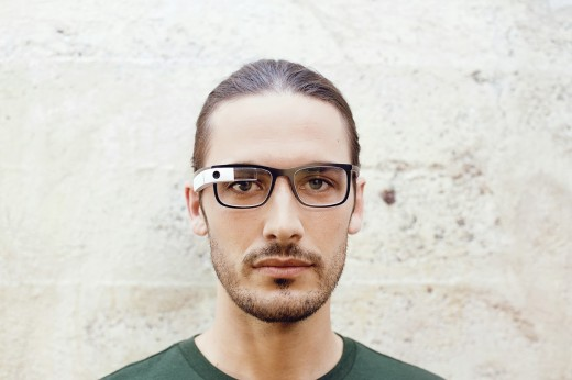 glass13 520x346 Google Glass can now be used with regular glasses after Google introduces $225 frames