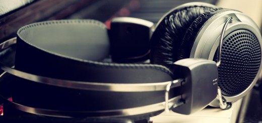 headphones 520x245 15 of the best music streaming platforms online today. Which one is best for you?