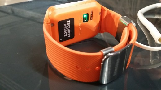 Neo heartrate 520x292 Wrists on with the Gear 2, Gear 2 Neo and Gear Fit