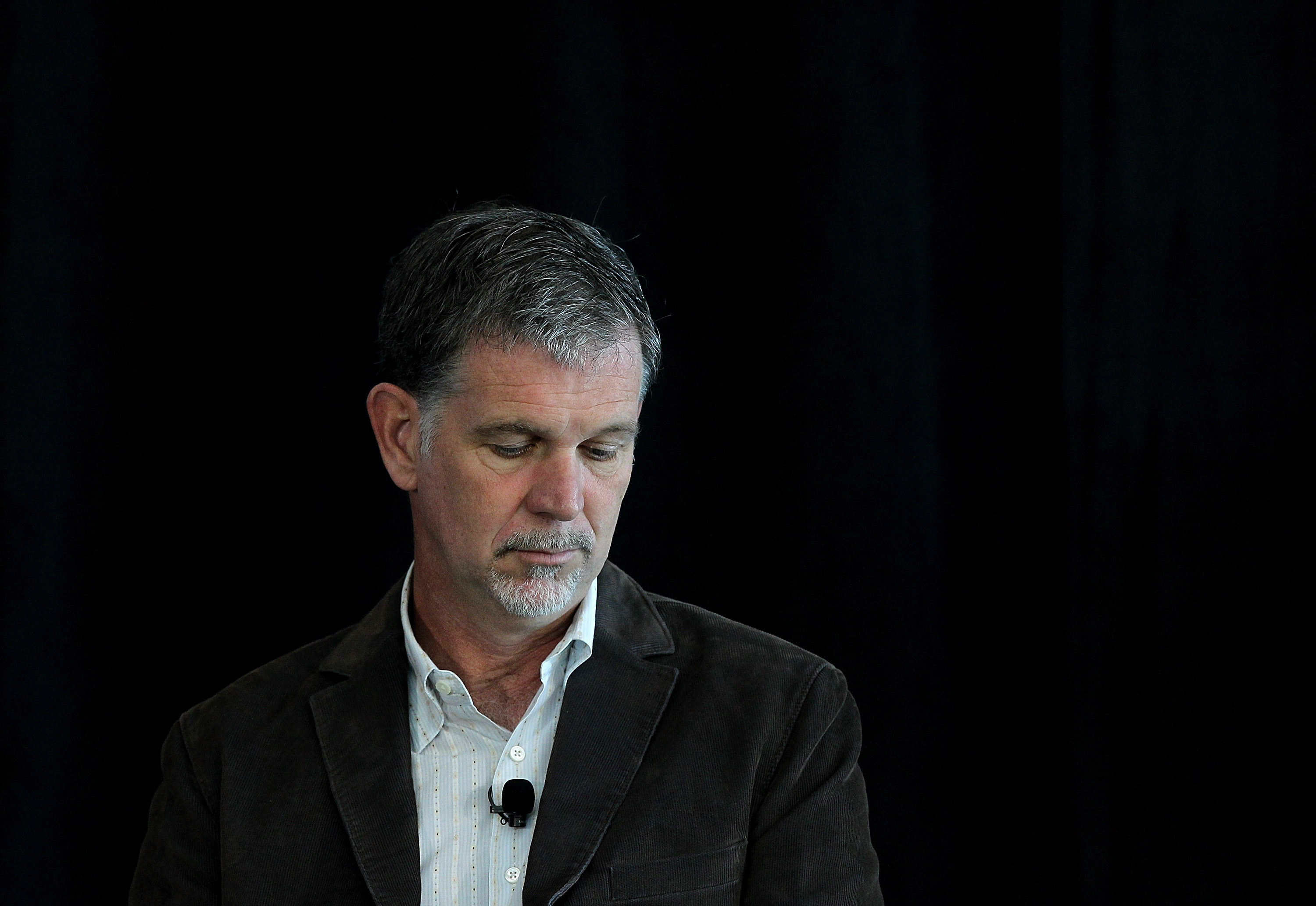 Netflix CEO argues for strong net neutrality and slams ISPs for 'extracting a toll because they can'