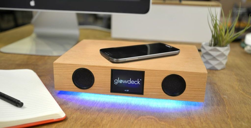 Glowdeck Review: 3-in-1 Wireless Charger, Speaker, Notification Center