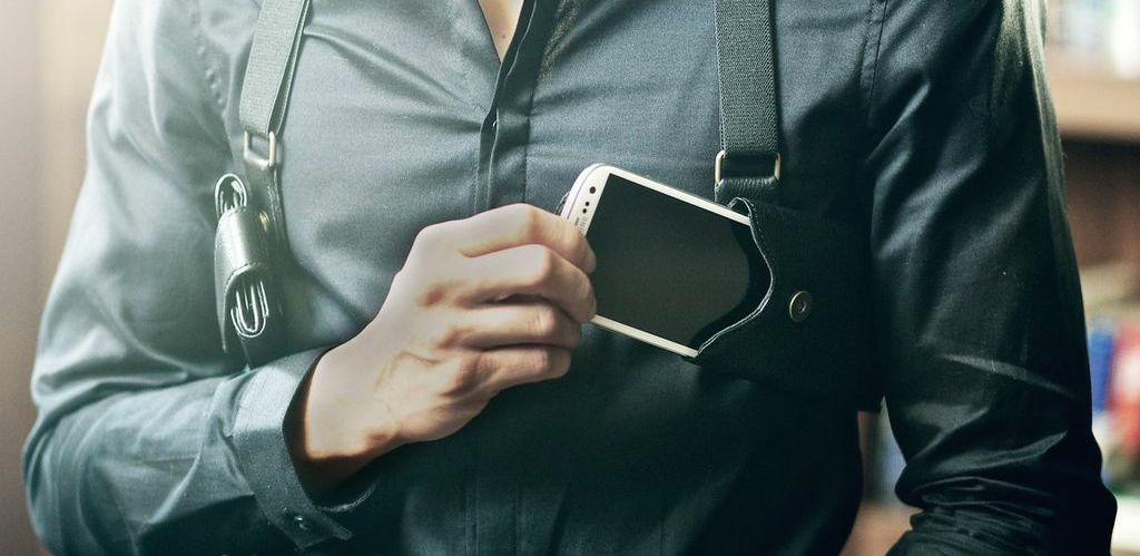 LD West's Leather Phone Holster Is Cool, but Not Useful