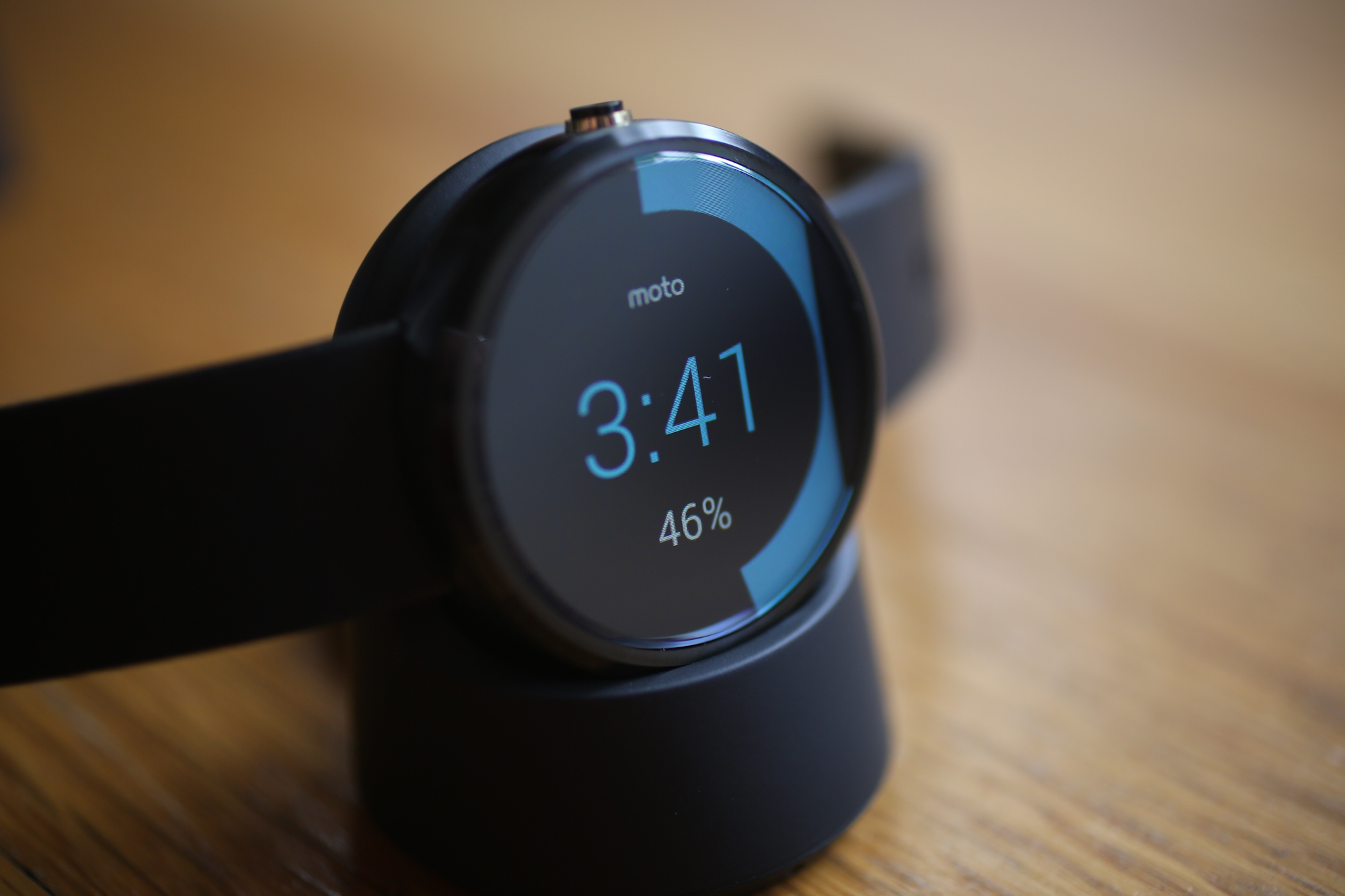 moto 360 review a beautifully flawed watch. Black Bedroom Furniture Sets. Home Design Ideas