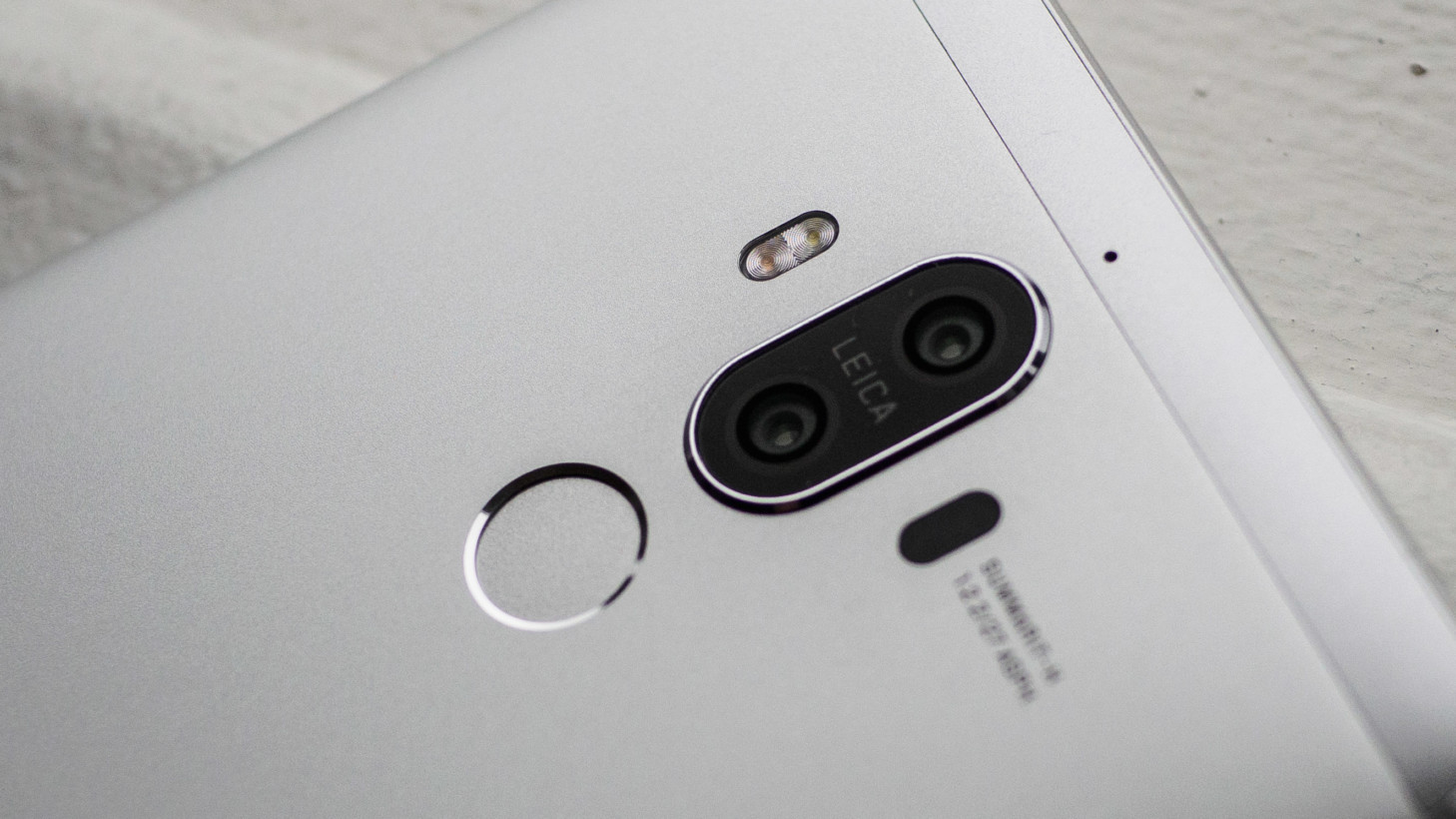 https://cdn2.tnwcdn.com/wp-content/blogs.dir/1/files/2016/11/Huawei-Mate-9-5.jpg