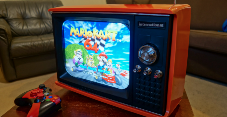 This old portable TV is actually a Raspberry Pi-powered retro ...
